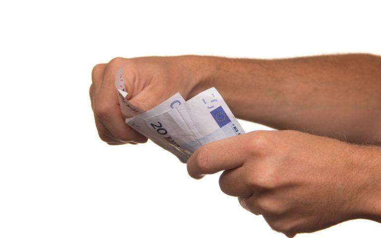 Zieke werknemer, loon doorbetalen?